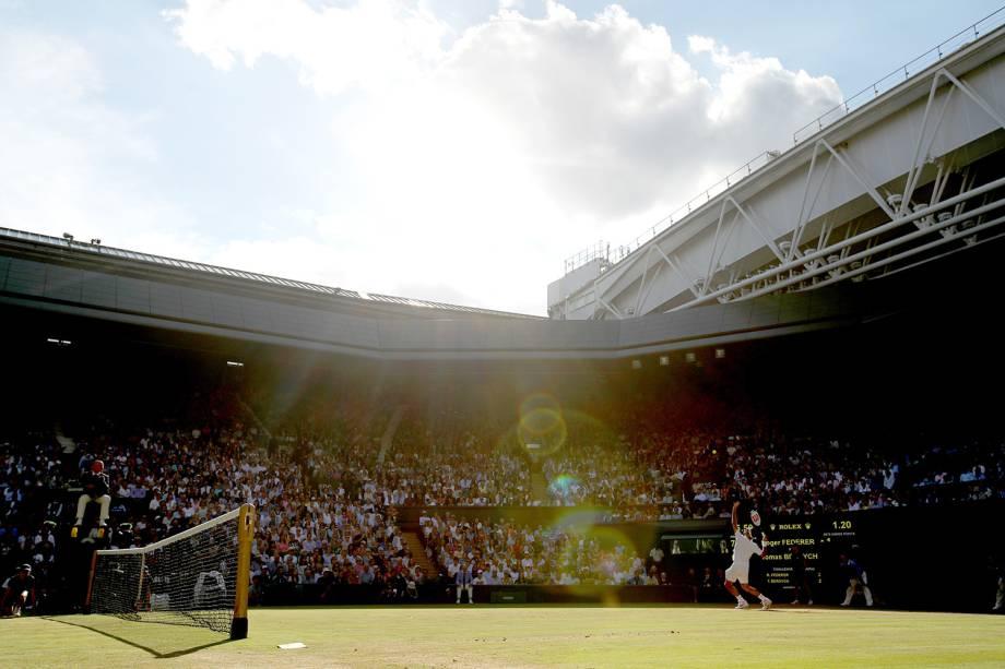 Vista geral da semifinal entre o tcheco Tomas Berdych e o suiço Roger Federer, em Wimbledon