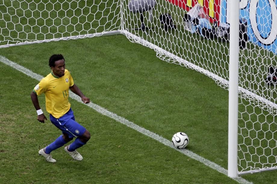 Zé Roberto vestiu a camisa da seleção brasileira nos anos de 1998, 1999 e 2006