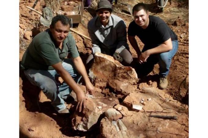 Ciclista encontra fóssil durante trilha em Monte Alto