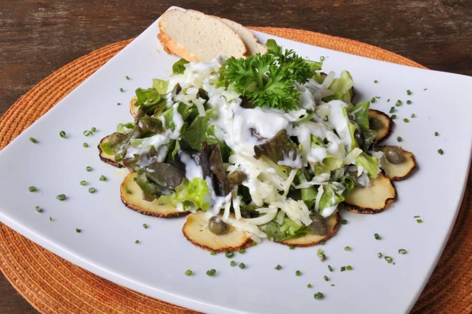 Salada de carpaccio de pupunha: entrada do menu no almoço