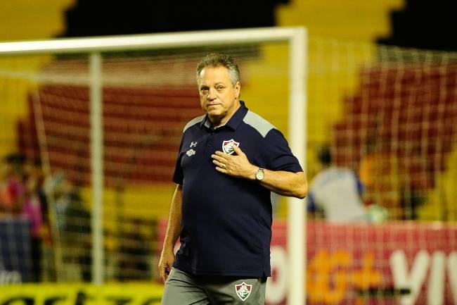 SPORT e FLUMINENSE - O técnico Abel Braga