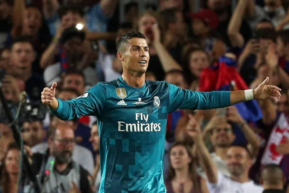 Cristiano Ronaldo comemora após marcar gol contra o Barcelona