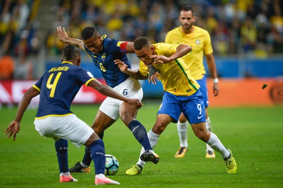 Gabriel Jesus durante a partida entre Brasil e Equador, na Arena do Grêmio em Porto Alegre