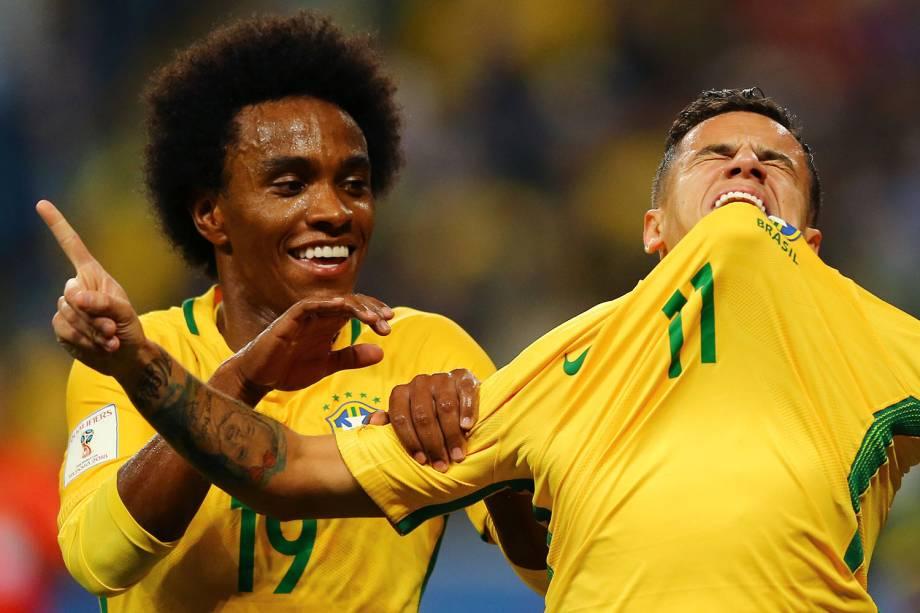 Philippe Coutinho comemora gol contra o Equador, em Porto Alegre