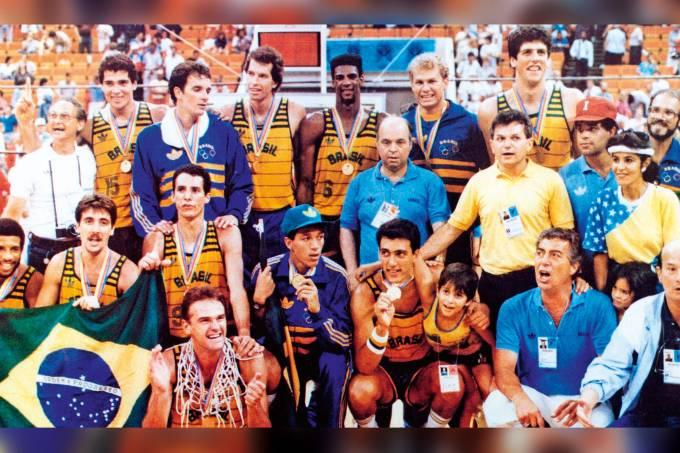 Seleção de basquete campeã