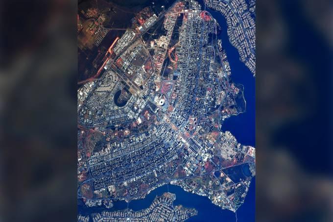 Cosmonauta russo posta foto de Brasilia vista do espaço