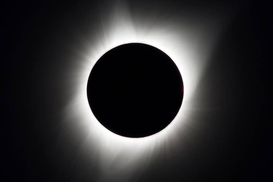 Eclipse solar total é visto acima de Madras, no estado americano do Oregon - 21/08/2017