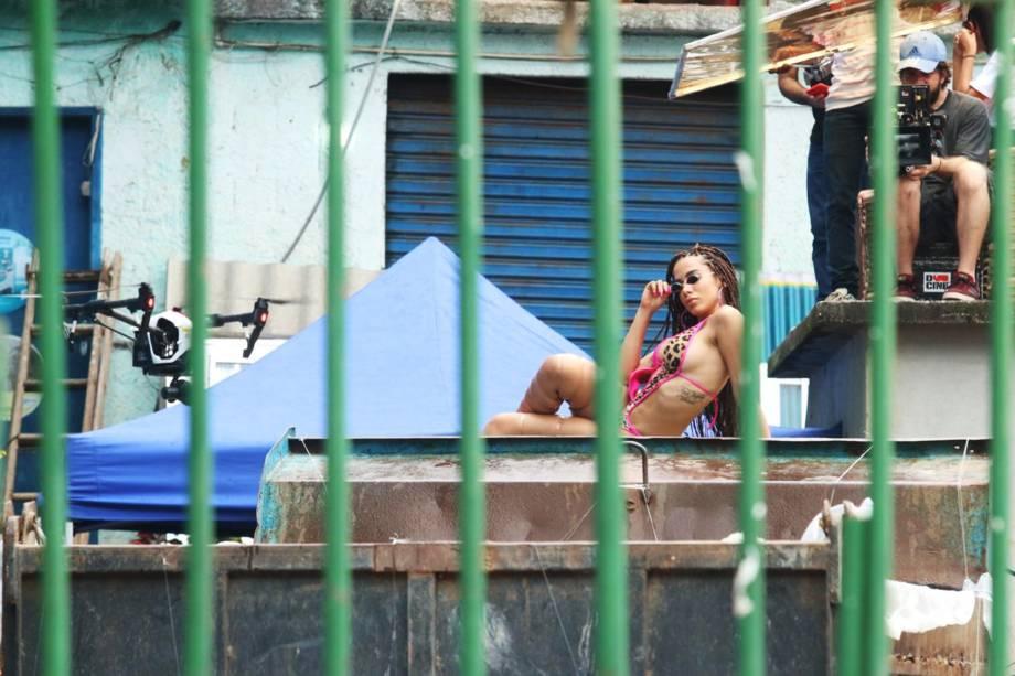 Anitta grava clipe novo no morro do Vidigal, no Rio de Janeiro