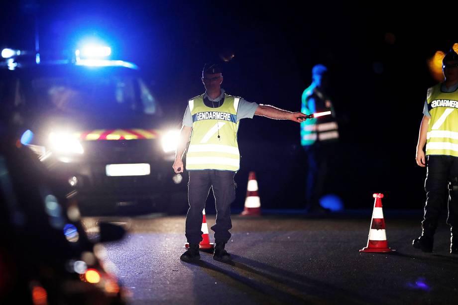 Um carro invadiu a parte externa de uma pizzaria na pequena cidade de Sept-Sorts, a leste de Paris, matando uma menina de 12 anos e ferindo diversas outras pessoas, disse um porta-voz do Ministério do Interior da França - 14/08/2017