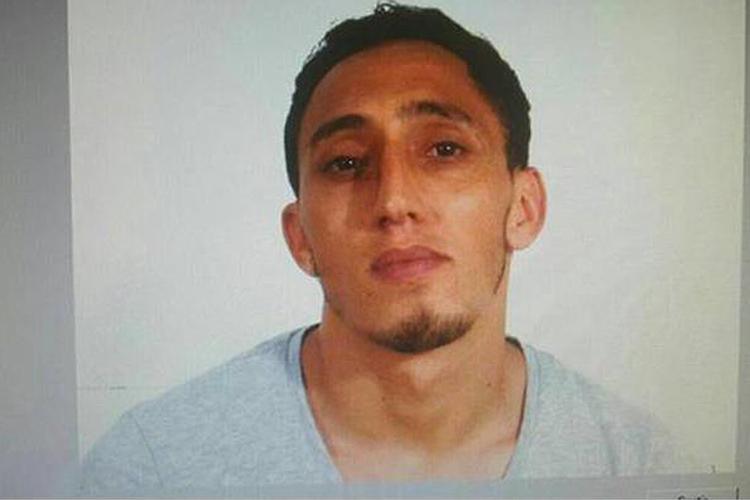 A polícia catalã divulgou uma fotografia de um dos atacantes, o seu nome é Driss Oukabir Soprano - 17/08/2017
