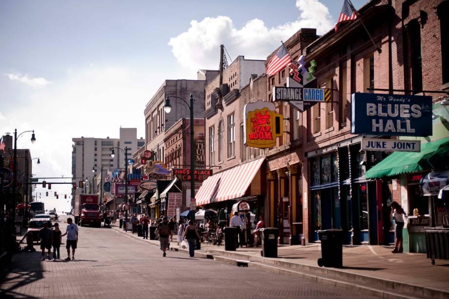A alegre Beagle St. tornou-se uma zona perigosa, devido aos acirrados conflitos raciais que surgiram após a morte de Martin Luther King, em 1968. Hoje, está revitalizada e repleta de bares e restaurantes