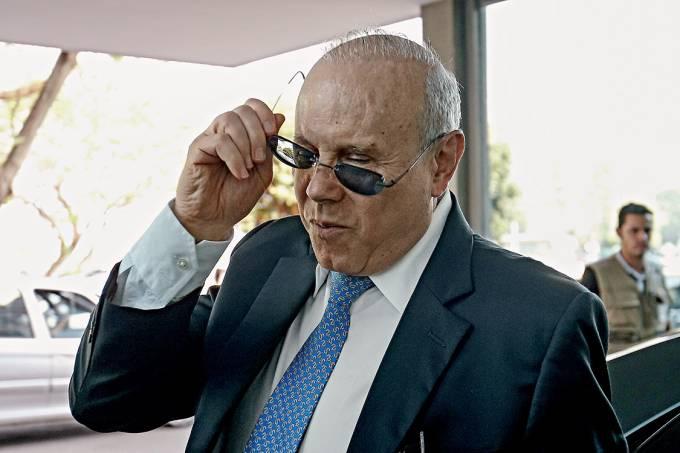 """Tudo tão normal – """"Não é que eu tratasse de coisas erradas com o Mantega — tratava com o ministro da Fazenda"""""""