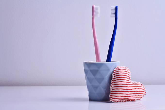 Escovas de dentes de casais