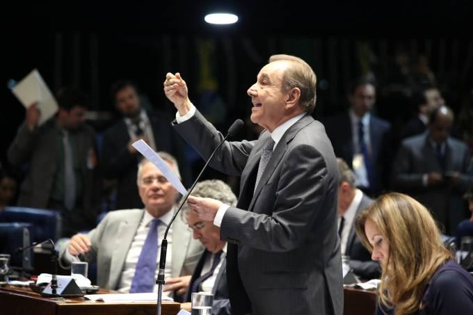 Senado aprova projeto de lei para punir abuso de autoridade
