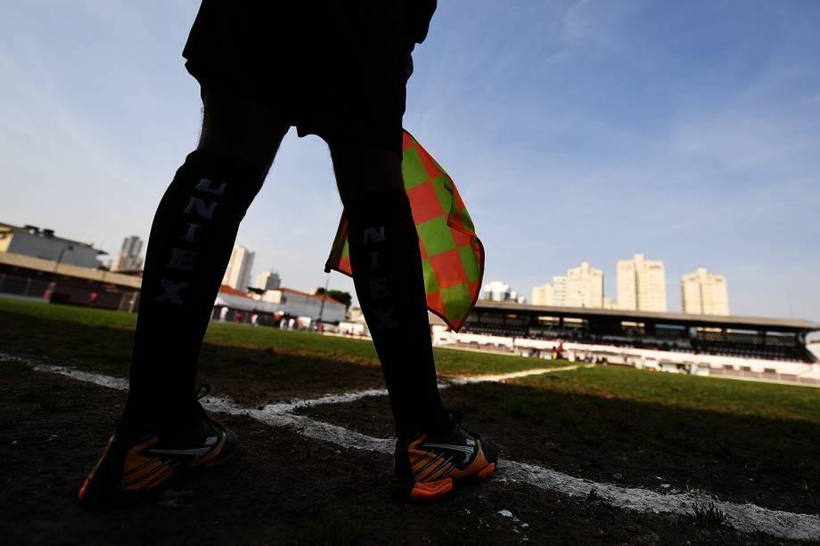 """Evento """"Jogar na Javari"""", promovido pelo Juventus em seu estádio no bairro da Mooca, em São Paulo, reuniu familiares na véspera do Dia dos Pais"""