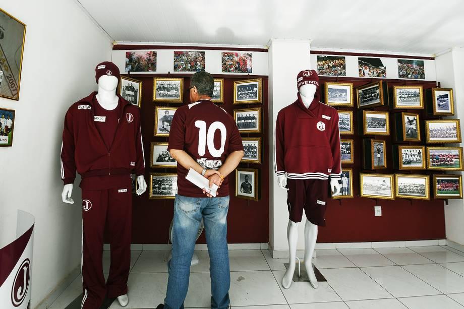 Loja do Juventus na entrada da Rua Javari