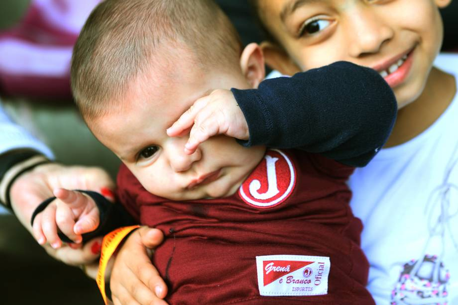 Bebês e crianças juventinas ocuparam as arquibancadas da Rua Javari, no bairro da Mooca, em São Paulo