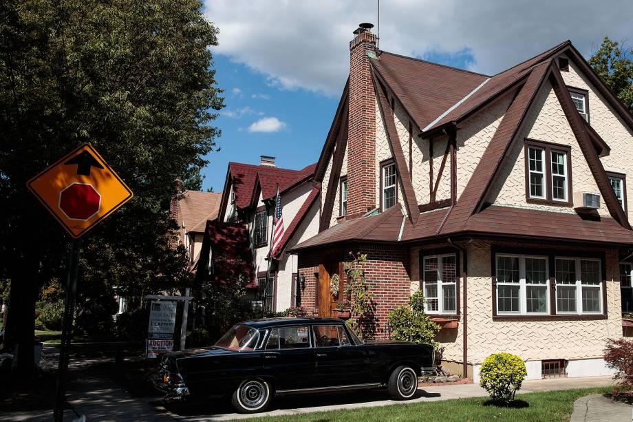 Casa onde o presidente Donald Trump passou parte da infância no bairro da Jamaica Estates, no Queens, em Nova York