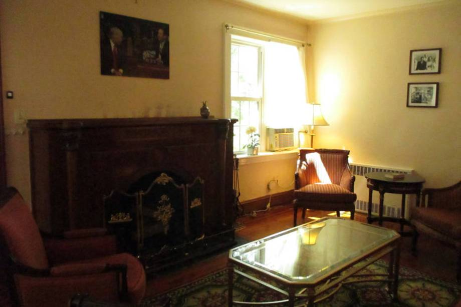 Casa onde o presidente dos Estados Unidos, Donald Trump passou a infância é colocada no Airbnb