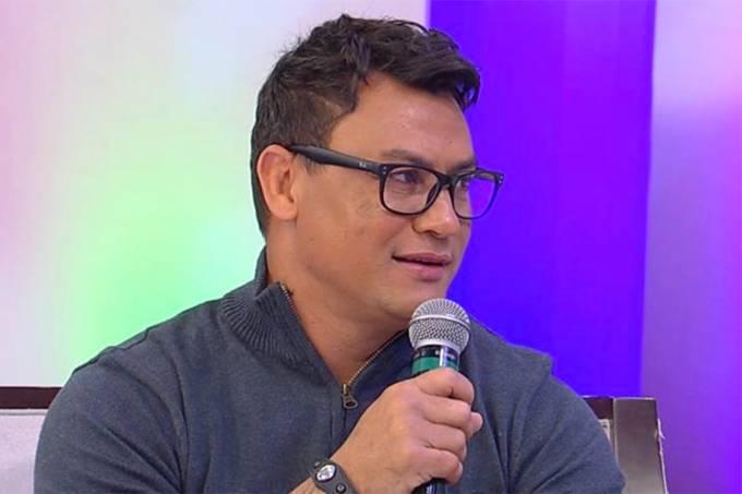 Popó durante o programa 'Sensacional'da RedeTV!