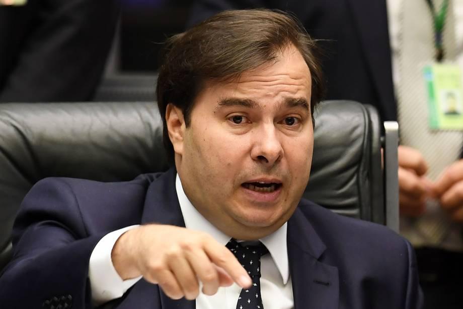 O presidente da Câmara, Rodrigo Maia (DEM-RJ), comanda sessão destinada a votar a admissibilidade da investigação contra o presidente Michel Temer - 02/03/2017