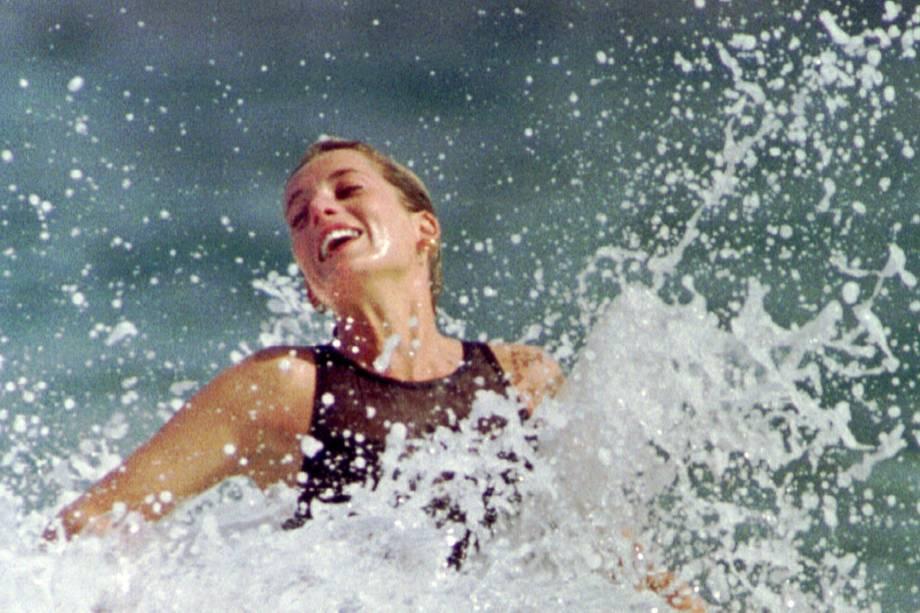 Princesa de Gales, Diana, em um mergulho nas águas de São Cristovão, no Caribe - 04/01/1993