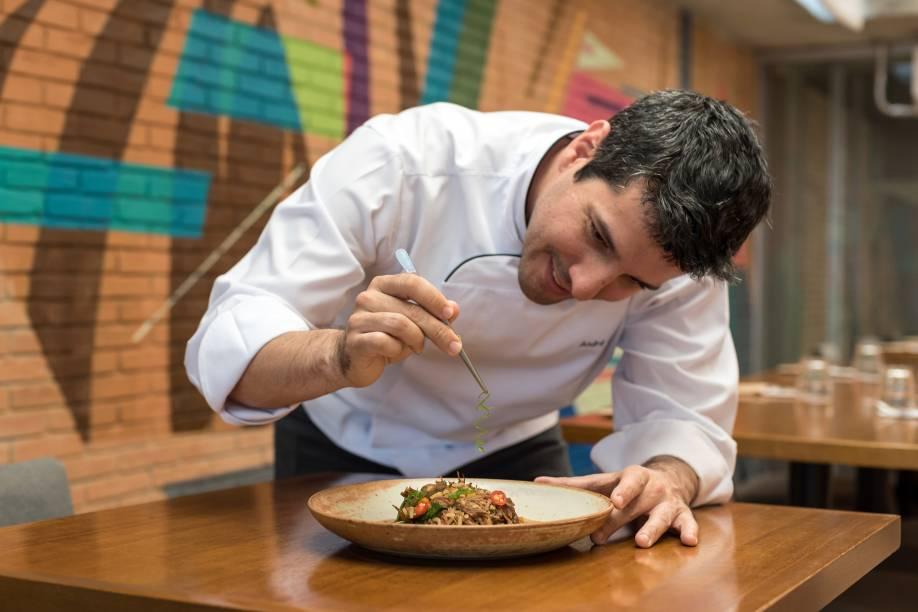 Authoral: menu contemporâneo assinado pelo chef André Castro
