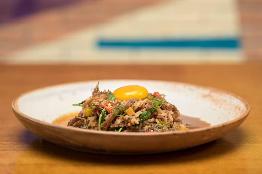 <span>Arroz caldoso de costela angus com agrião, pimenta biquinho e gema curada: prato que compõe o menu do festival gastronômico</span>
