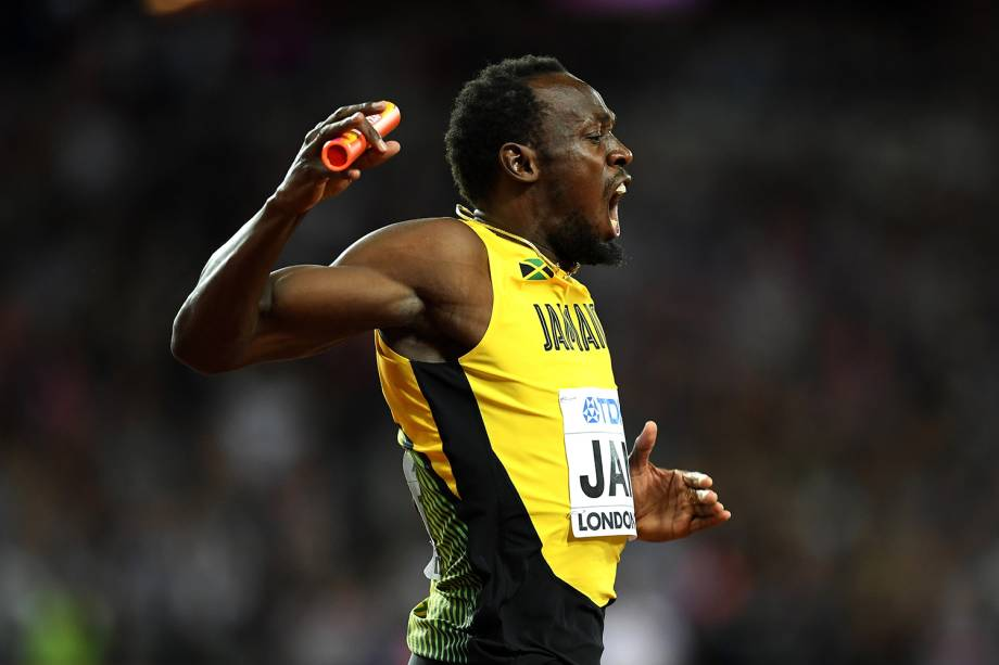 O jamaicano Usain Bolt se lesiona durante revezamento 4x100m, em Londres