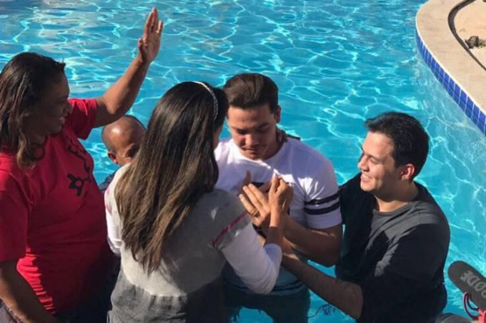 Wesley Safadão – Batizado – Igreja Evangélica