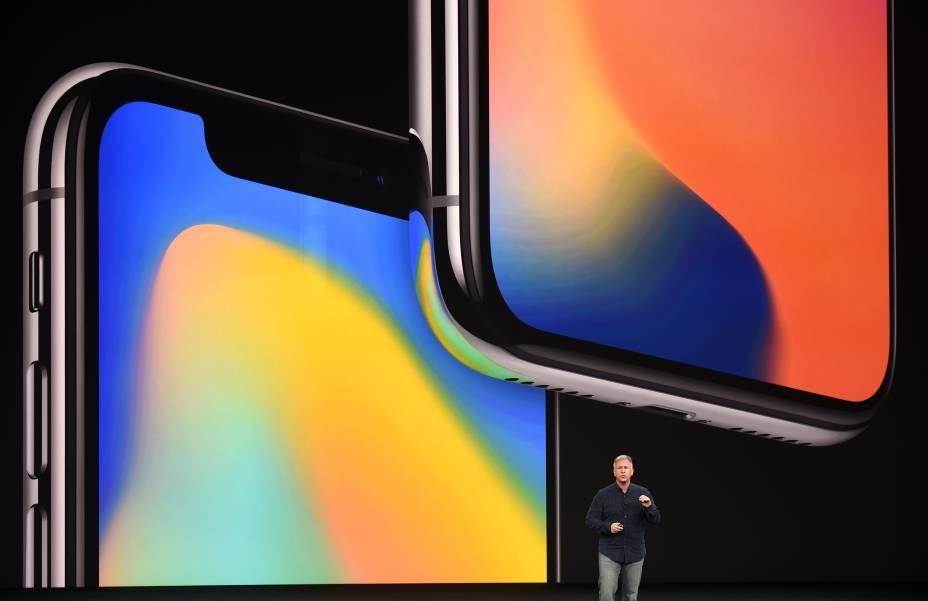 Phil Schiller, vice-presidente da Apple, apresenta o iPhone 8 durante evento de lançamento dos novos produtos da marca em Cupertino, na Califórnia