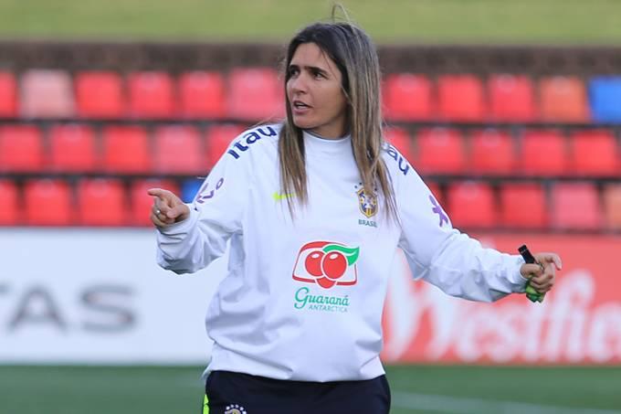 Emily Lima, técnica da seleção brasileira de futebol