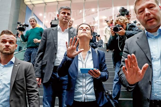 Racha – Frauke Petry, ex-líder da AfD, logo depois de anunciar que sairá do partido por desavenças com colegas extremistas