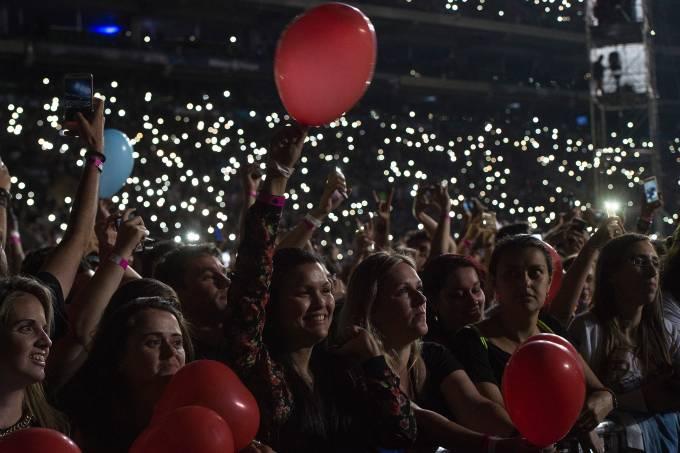 Fãs durante o show de Bon Jovi