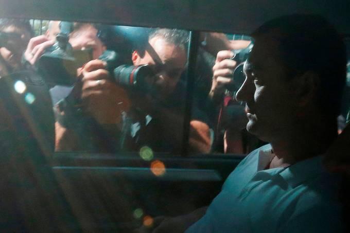 Joesley Batista deixa sede da Policia Federal em São Paulo
