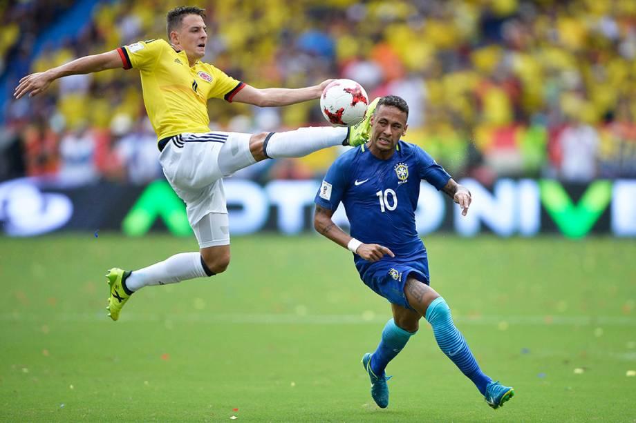 Neymar durante partida contra a Colômbia, pelas Eliminatórias da Copa da Rússia, em Barranquilla