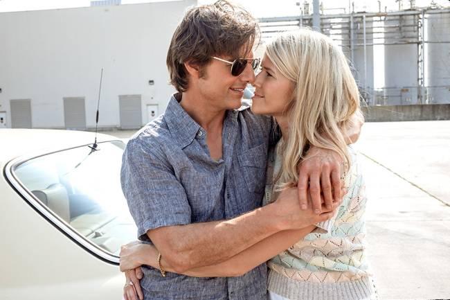 Tom Cruise e Sarah Wright, durante cenas do filme Feito na América