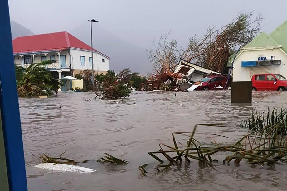 Furacão Irma inundou as ruas da Ilha de Saint Martin, no Caribe - 07/09/2017
