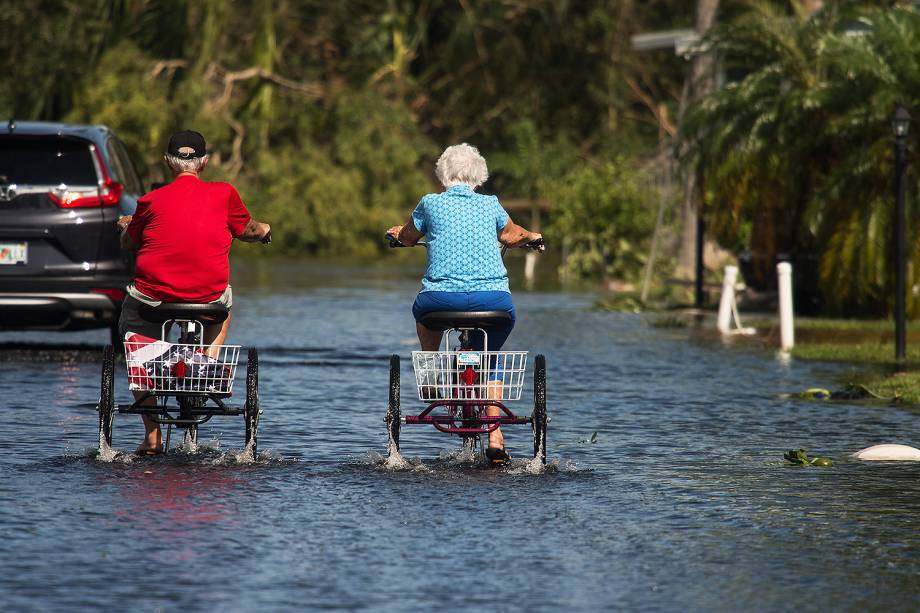 Tempestade causada pelo furacão Irma deixa boa parte do estado da Flórida alagada - 12/09/2017