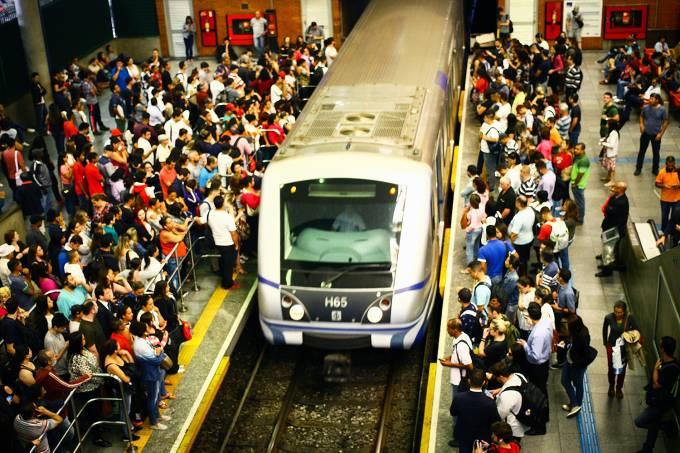Movimentação nas estações do metrô