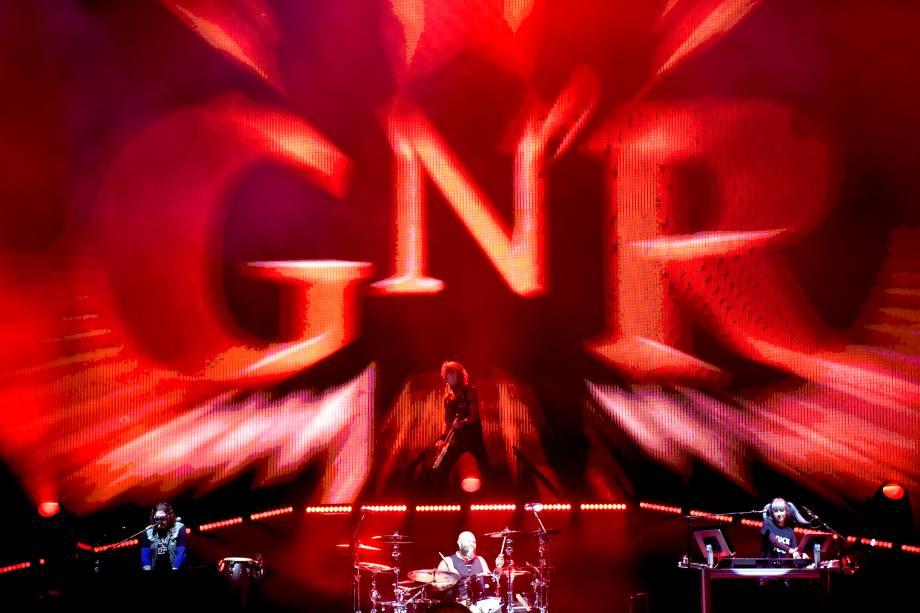 Banda Guns'n'Roses se apresenta no palco do festival São Paulo Trip, no Allianz Parque