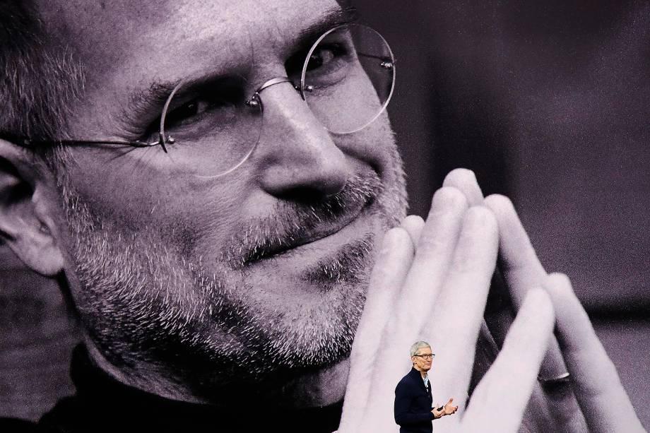 Tim Cook, CEO da Apple, fala durante cerimônia de lançamento dos novos produtos da empresa, no teatro Steve Jobs, em Cupertino, Califórnia - 12/09/2017