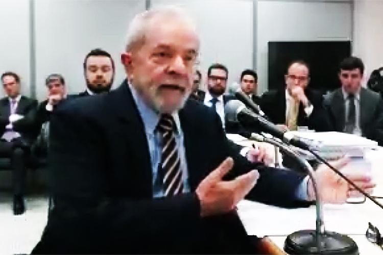 Em 10 de maio de 2017, o ex-presidente prestou depoimento pela primeira vez, ao juiz federal Sergio Moro em Curitiba, na condição de réu no âmbito da Operação Lava Jato. Lula é acusado de receber favores da empreiteira OAS na reforma de um tríplex no Guarujá, no litoral sul de São Paulo, e no armazenamento de presentes que ganhou quando deixou a presidência, em troca de facilitações em contratos com a Petrobras.