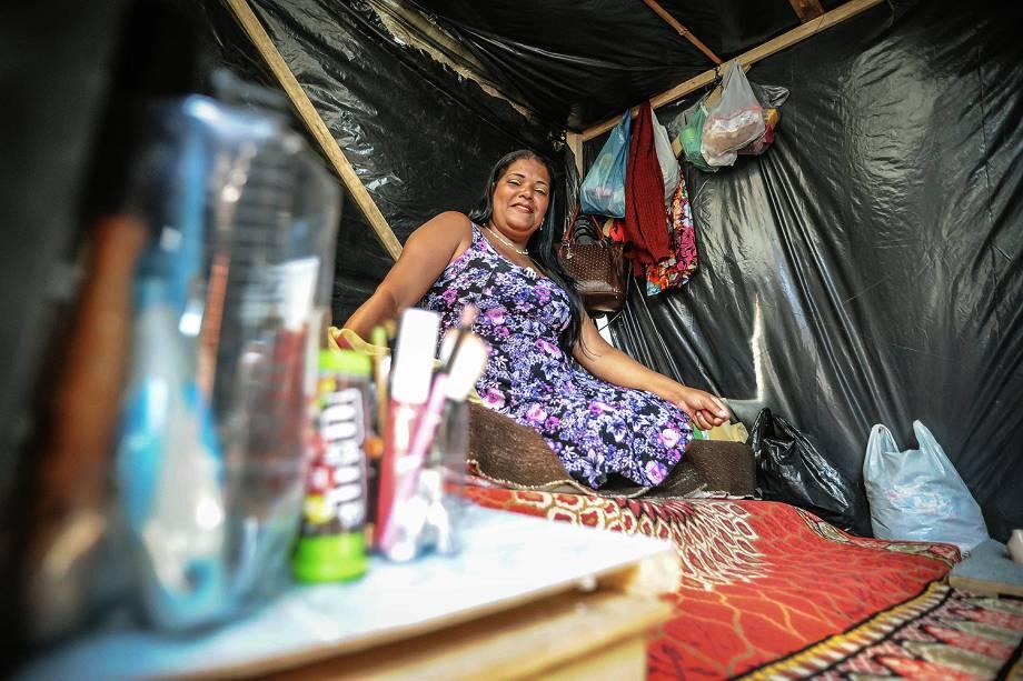 Adriana, militantes do MTST durante ocupação em um terreno em São Bernardo do Campo