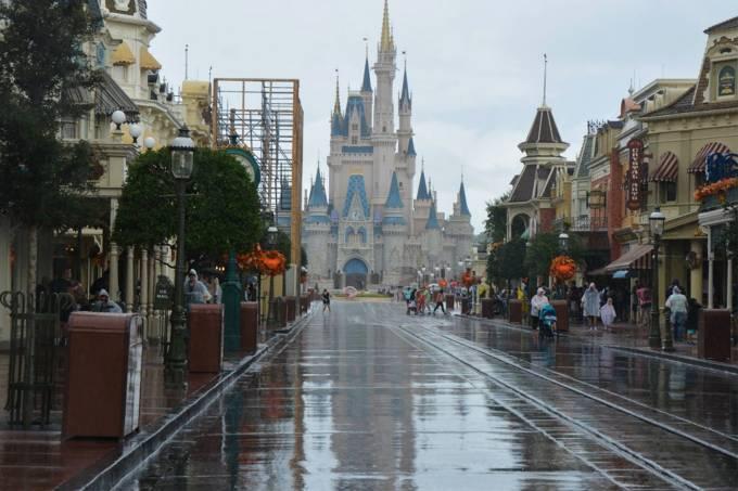 Passagem do furacão Irma pela Disney