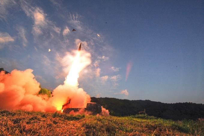 Coreia do Sul realiza teste com míssil