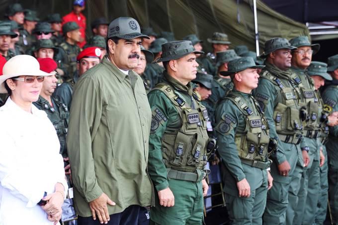 O presidente da Venezuela, Nicolás Maduro, durante parada militar, em Maracay – 26/092017