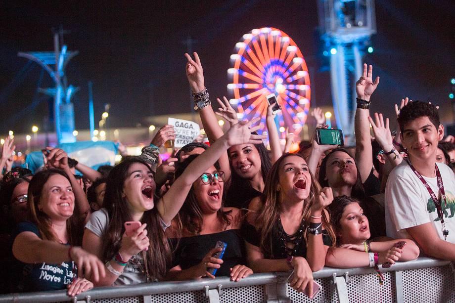 Público durante o show do cantor canadense Shawn Mendes, de 19 anos, no segundo dia de shows do Rock In Rio 2017, no Parque Olímpico, na Barra da Tijuca, zona oeste do Rio de Janeiro (RJ) - 16/09/2019
