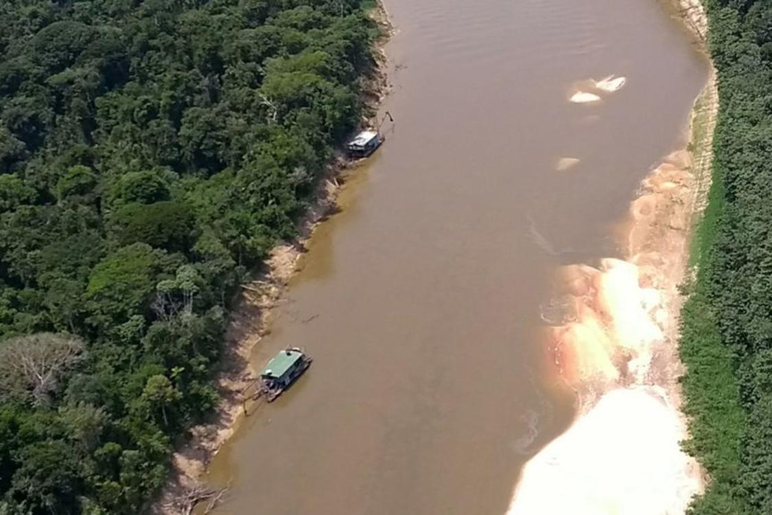 Operação no rio Jandiatuba, no Vale do Javari, contra garimpo em terra indígena