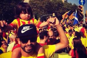 Gerard Piqué e o filho, Milan, na festa do Dia da Catalunha, em Barcelona